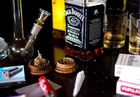 ¿LA MARIHUANA RECREATIVA AFECTA AL CONSUMO DE ALCOHOL?