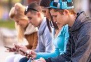 LOS JOVENES CON SMARTPHONES TIENEN UNA MENTALIDAD ADICTIVA Y NECESITAN AYUDA