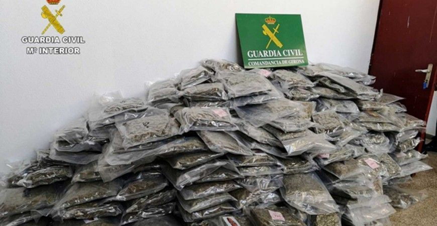 INCAUTADOS 2.700 KILOS DE MARIHUANA EN CATALUÑA